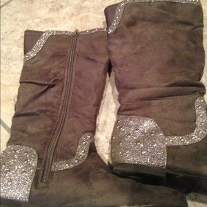 Girls size 3 Justice boots